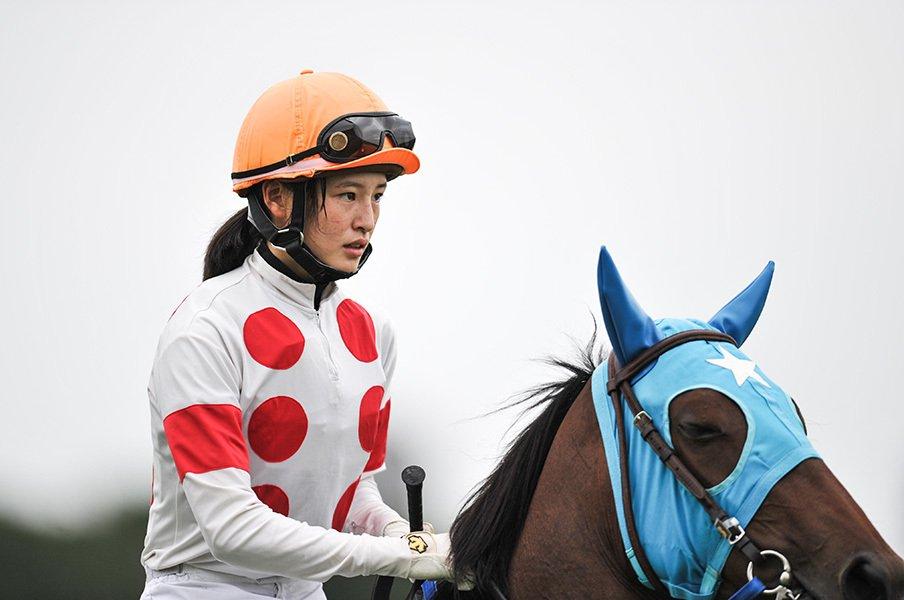 女性騎手最多の11勝に到達!藤田菜七子の「あっという間」。<Number Web> photograph by Yuki Suenaga