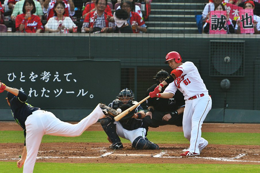目標は10割、200本、1000打点。鈴木誠也が探す「違うもの」の正体。<Number Web> photograph by Hideki Sugiyama
