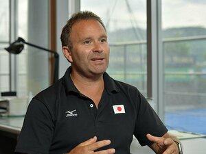 唯一のゴールは五輪での「金メダル」。さくらジャパン監督が目指すもの。