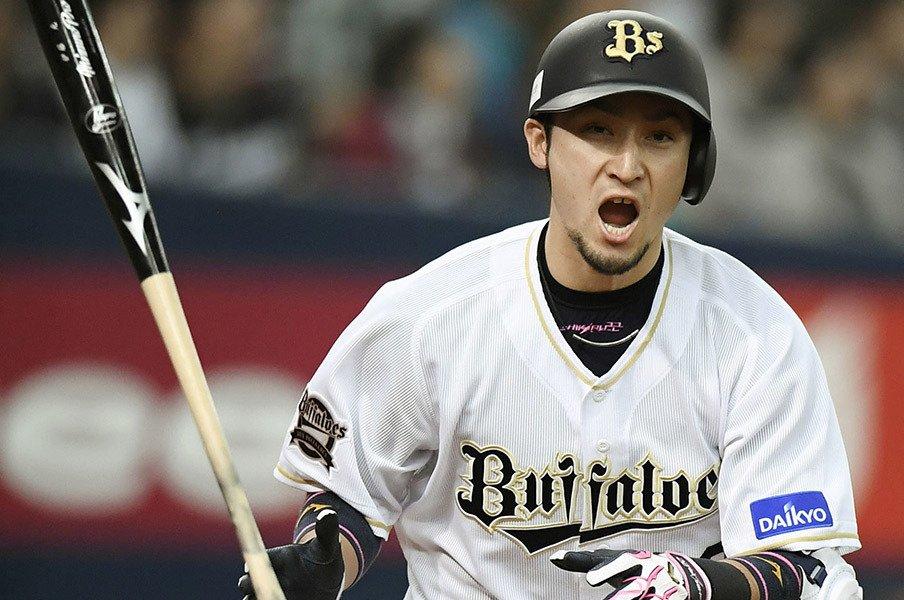 """イチローも打席で意識する""""利き目""""。オリ伊藤光の目に起こった変化とは。<Number Web> photograph by Kyodo News"""