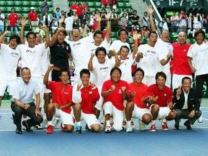 27年ぶり悲願のWG復帰。選手に傾けた監督の愛情。~男子テニスが世界ベスト16入りへ~