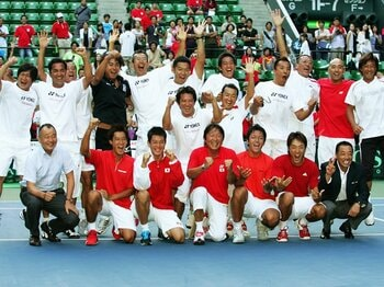 27年ぶり悲願のWG復帰。選手に傾けた監督の愛情。~男子テニスが世界ベスト16入りへ~<Number Web> photograph by Hiromasa Mano