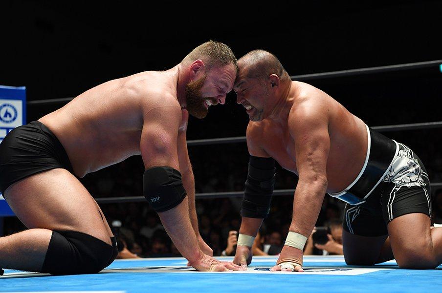 G1で狂犬達が限界知らずの死闘!石井智宏とジョン・モクスリーの魂。<Number Web> photograph by Essei Hara