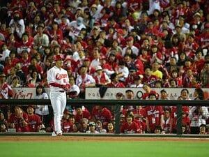 プロ野球、最多観客動員の裏で……。「野球離れ」を裏付ける恐怖の数字。