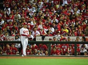プロ野球、最多観客動員の裏で……。「野球離れ」を裏付ける恐怖の数字。<Number Web> photograph by Hideki Sugiyama