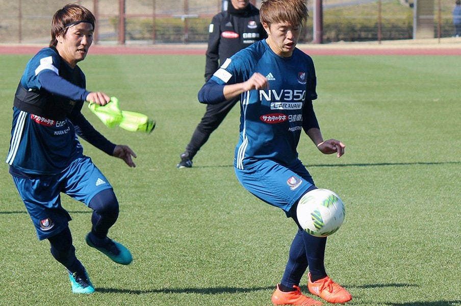 キャプテン+10番は海外以上の挑戦。横浜FM・齋藤学が担う「俊輔の後」。