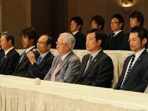 いまだ決まらぬWBC日本代表監督。混乱を招いたコミッショナーの責任は?