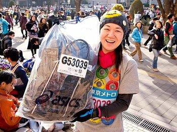 <初マラソン特別寄稿> 角田光代 「それでもとにかく走るのだ」~直木賞作家の東京マラソン体験記~<Number Web> photograph by Atsushi Kondo