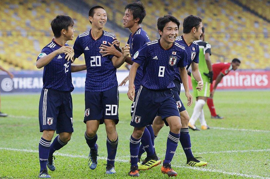本田圭佑のようなギラつきを見たい。U-16日本に森山監督が求める野心。<Number Web> photograph by AFLO