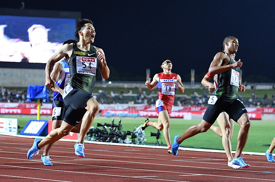 男子100m、日本選手権での充実ぶり。「できない」という固定観念の打破。<Number Web> photograph by AFLO