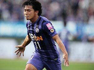 【引退】佐藤寿人「よく1億数千万も払ったなと」広島移籍決断、最高の仲間とのゴール、青山敏弘と流した涙