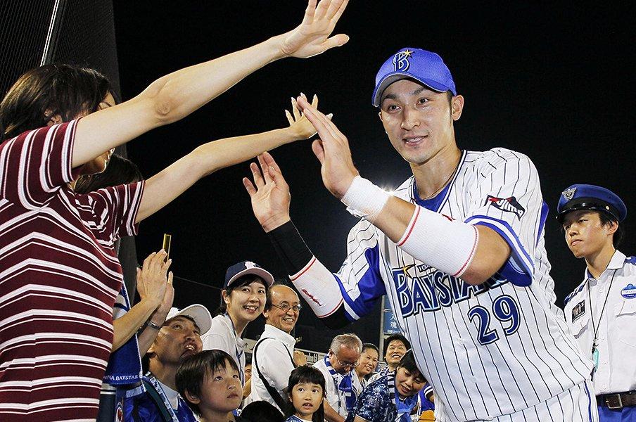 """オリックスからDeNA移籍の伊藤光。""""生涯一捕手""""のこだわりは続く。<Number Web> photograph by Kyodo News"""