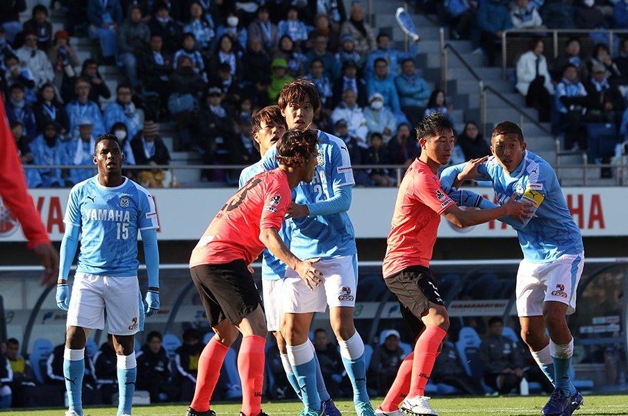 磐田・大南拓磨がJ1残留で得た、CBに不可欠なミスとの向き合い方。<Number Web> photograph by Takahito Ando