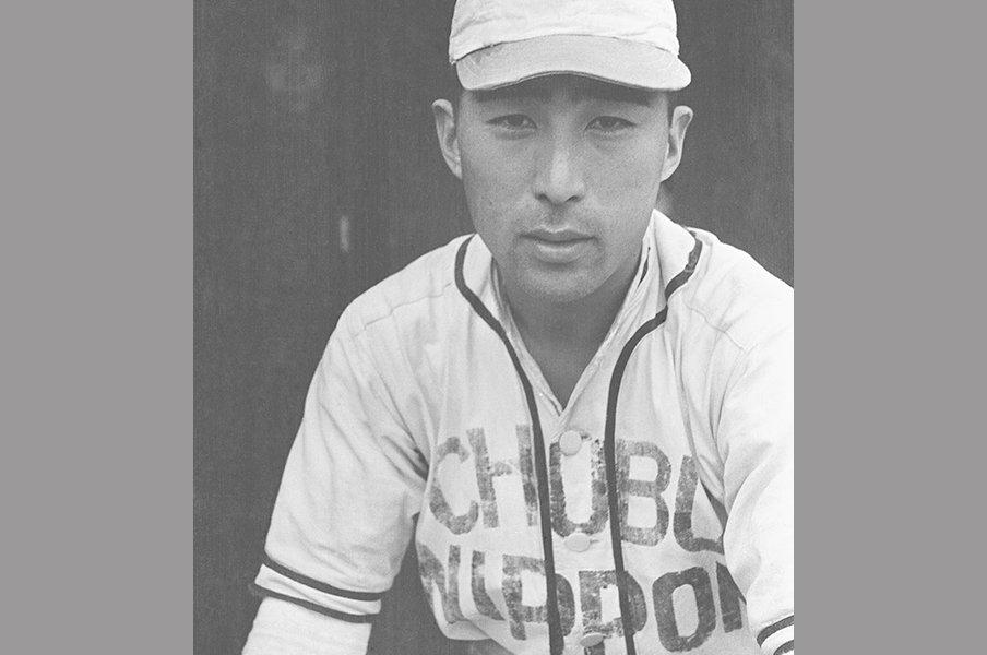 時代の終わりにプロ野球の意義を。戦後初めて球音を聞いた男の物語。<Number Web> photograph by Kyodo News