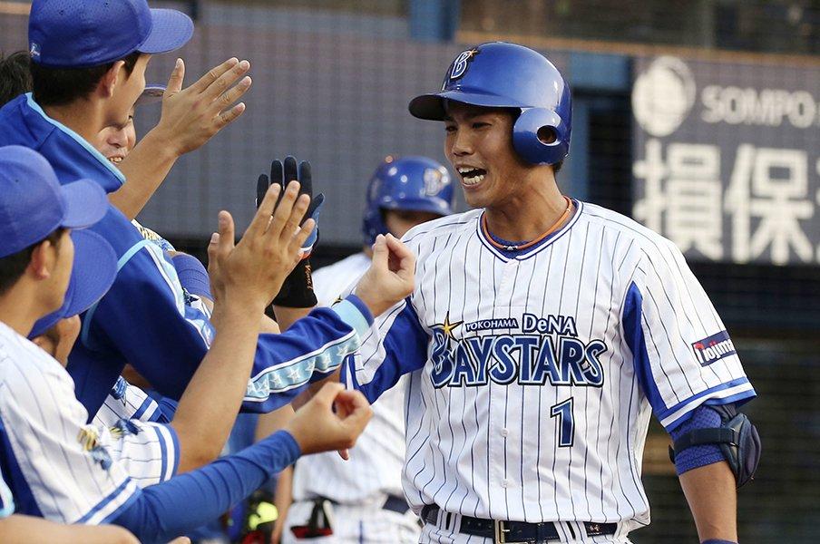 DeNAの太陽、桑原将志は復活する?笑顔に秘める思い「今年はギラつく」。<Number Web> photograph by Kyodo News