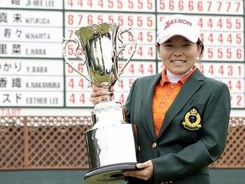 15歳だけじゃないアマチュア旋風!?女子ゴルフ界の下剋上が止まらない。<Number Web> photograph by Kyodo News