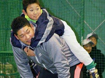 筒香嘉智が野球教育に本気で参戦。「答えを与えすぎず、考える習慣を」<Number Web> photograph by Kyodo News