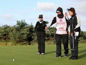 全英女子ゴルフに赤鬼が出現!?宮里藍と原が語るアジア人の強さ。<Number Web> photograph by Action Images/AFLO