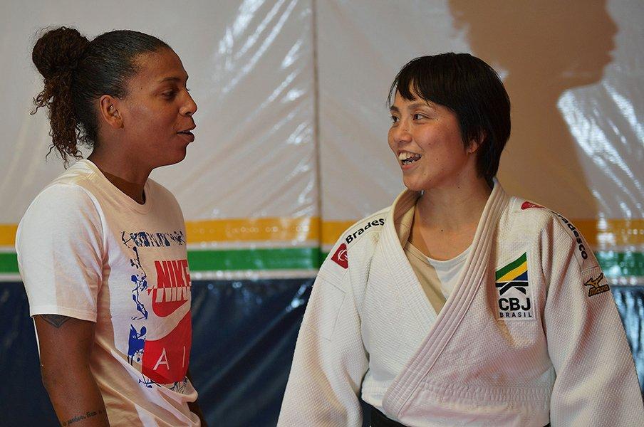 """貧民街育ちの女性柔道家を金メダリストに… ブラジルで指導、藤井裕子監督に感じる""""夫婦の新たな形""""とは"""