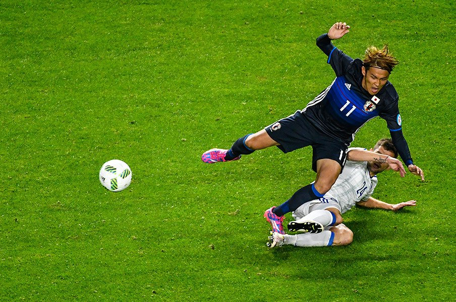 「バカ正直」ではW杯で勝ち上がれない。大勝と惜敗で揺れる日本代表の実力。<Number Web> photograph by Takuya Sugiyama