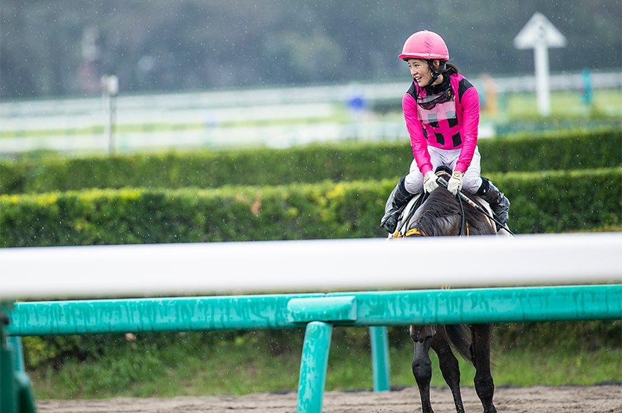 藤田菜七子のフェブラリーSやいかに。女性騎手誕生から23年目の大挑戦。<Number Web> photograph by Kiichi Matsumoto