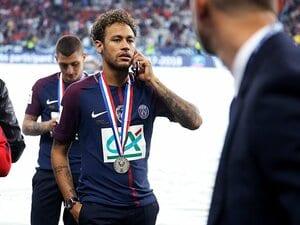ネイマールがパリで王様になっても、ロナウジーニョほど愛されない理由。【2018年 サッカー部門4位】