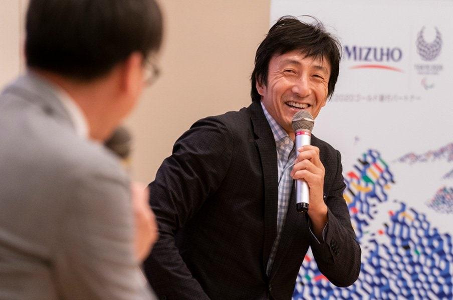 <みずほフィナンシャルグループ Jump to 2020>朝原宣治「個々の力とチームワークの集積」<Number Web> photograph by Shiro Miyake