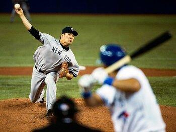 """田中将大、初勝利の裏側を読む。メジャーで見せた意外な""""コミュ力""""。<Number Web> photograph by AP/AFLO"""