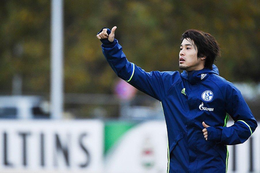 「20分くらいなら行ける。ただ……」内田篤人、復帰目前の今を楽しんで。<Number Web> photograph by AFLO