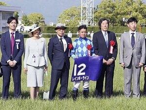 岩田康誠の判断が光った天皇賞・春。シュヴァルの死角を突くコース取り。