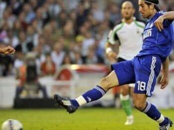 近代サッカーの思わぬ副産物。<Number Web> photograph by MarcaMedia/AFLO