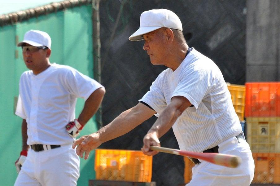 智弁和歌山と高嶋仁は死なず。「人を蹴飛ばしたらあかんので(笑)」<Number Web> photograph by Kyodo News