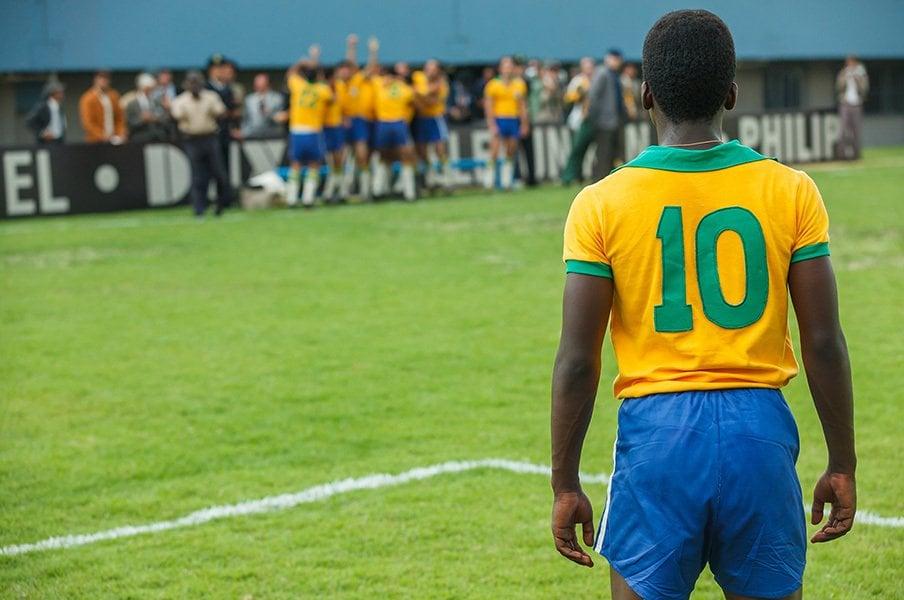 Number独占試写会『ペレ 伝説の誕生』17歳の少年がブラジルサッカーを変えた。<Number Web> photograph by 2015 Dico Filme LLC