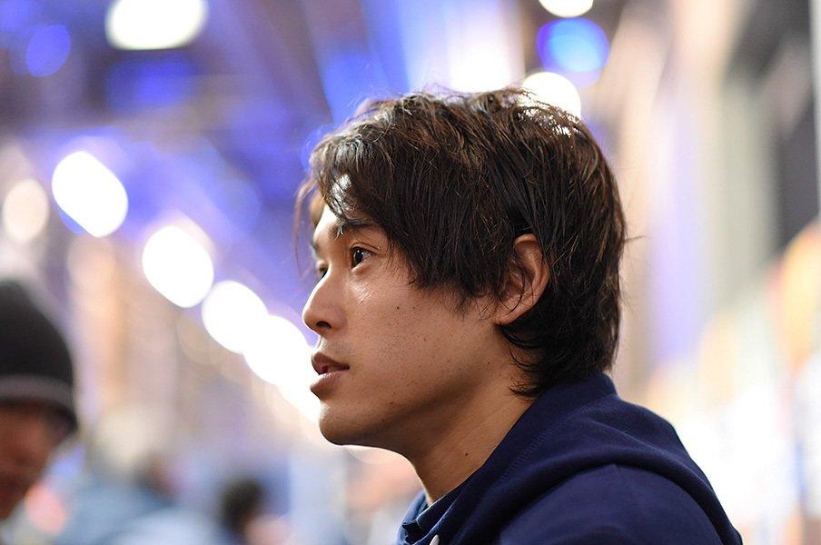 内田篤人「本当に無駄な1年9カ月」言葉と裏腹に表情は嬉しそうだった。<Number Web> photograph by AFLO