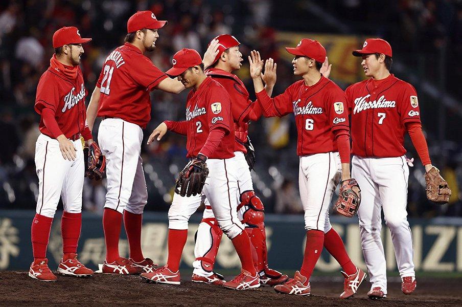 サッカーも野球も指揮官は大変。カープ緒方監督が気を付けていること。<Number Web> photograph by Kyodo News