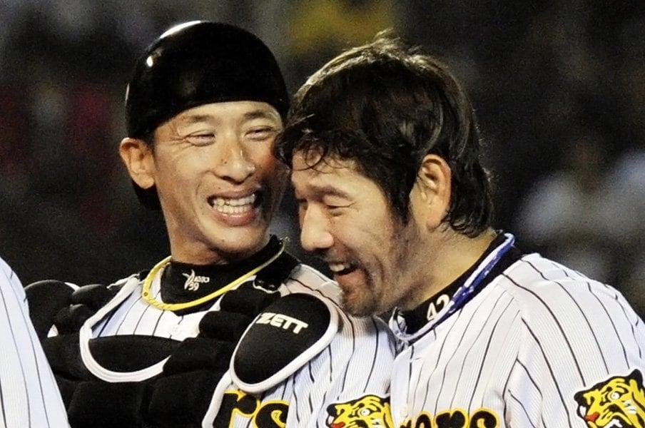 """なぜ阪神に""""甲斐""""が育たないか。藪恵壹が見る猛虎の課題・正捕手。<Number Web> photograph by Kyodo News"""