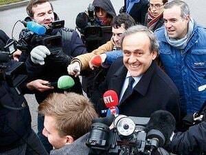 プラティニは罠にはまったのか……。欧州に渦巻く陰謀とFIFA不正疑惑。