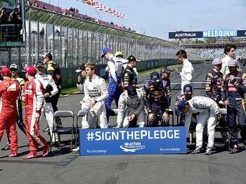 メルセデス以外、全チーム混沌!?F1開幕戦、豪州GPが呆気無く終了。<Number Web> photograph by Hiroshi Kaneko