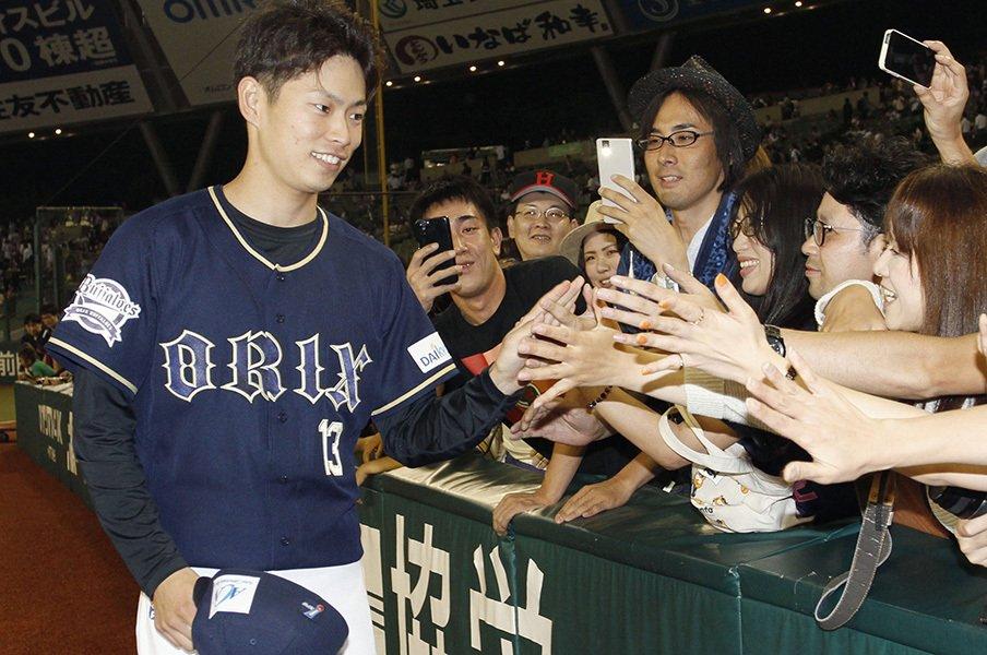 ダルに「一番だわ」と言わしめた男。1年目・山岡泰輔が既にエースの気配。<Number Web> photograph by Kyodo News
