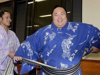 """正攻法の遠藤は、相手役がいてこそ!九重部屋三人衆の""""やんちゃ""""な個性。<Number Web> photograph by Kyodo News"""