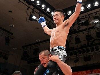 """シュートボクシングだから成立した、宍戸vs.鈴木の""""ありえない試合""""。<Number Web> photograph by Susumu Nagao"""