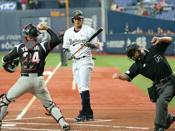 突出する個が噛み合わないオリックス。挽回のヒントは、2003年の阪神・金本。<Number Web> photograph by NIKKAN SPORTS