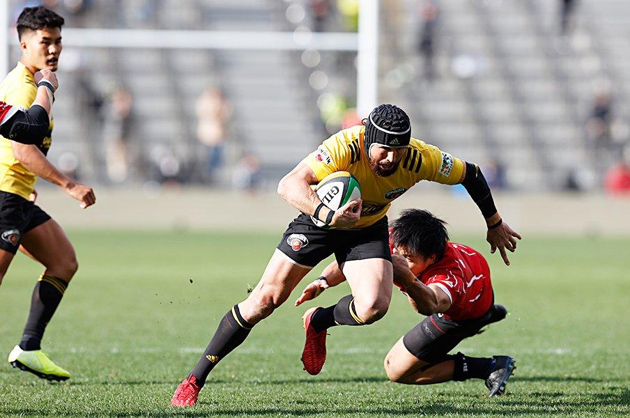 猛攻サントリーと「12番ギタウ」。SO田村熙との良好な関係性とは。<Number Web> photograph by Kyodo News