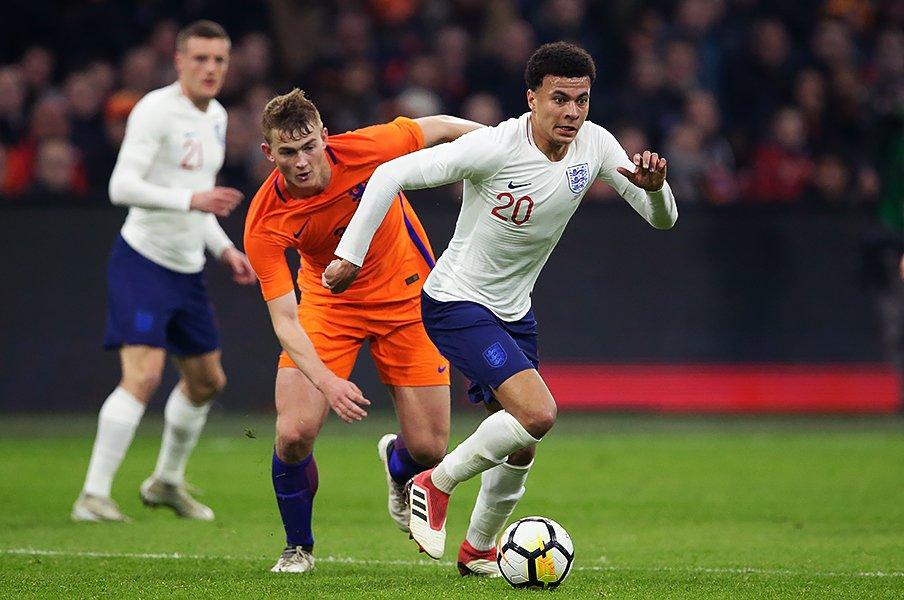 イングランドの3-4-1-2が結構強い。長期計画のスタイル変更が遂に実る。<Number Web> photograph by Getty Images