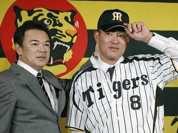 阪神の反省は本物だったのか!?西岡、福留へ無暗に殺到した批判。<Number Web> photograph by Kyodo News