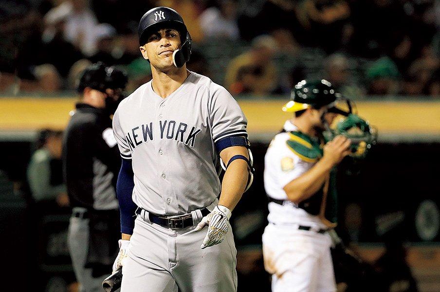 フライボール革命がもたらした、ホームランか三振かの野球観。~力勝負と言うか、あまりに単純と言うか~<Number Web> photograph by AFLO
