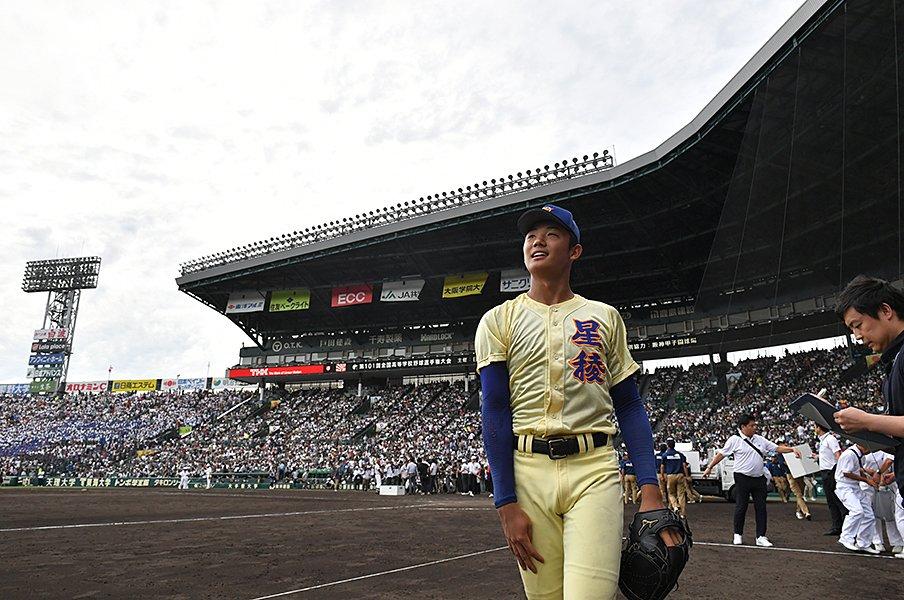2019年ドラフトを1人で全予想・上。ヤクルトは投手が急務、オリは捕手?<Number Web> photograph by Hideki Sugiyama