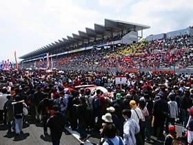 2010年のモータースポーツ界を憂う。若者のクルマ離れには「レース活動」。