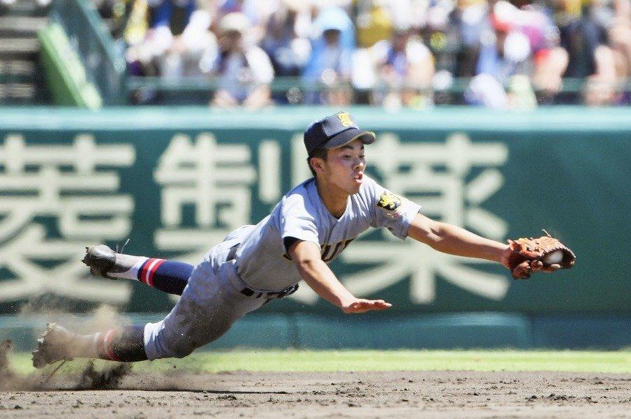 仙台育英、敗れてなお伝わる哲学。須江航監督が導入した規律と数字。<Number Web> photograph by Kyodo News