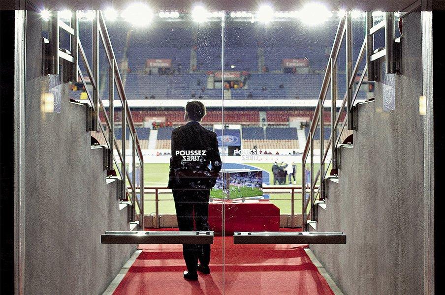 サッカースタジアムで最高の観戦席は?PSGが誇る世界のセレブ垂涎のVIP席。<Number Web> photograph by Aglae Bory/L'Equipe